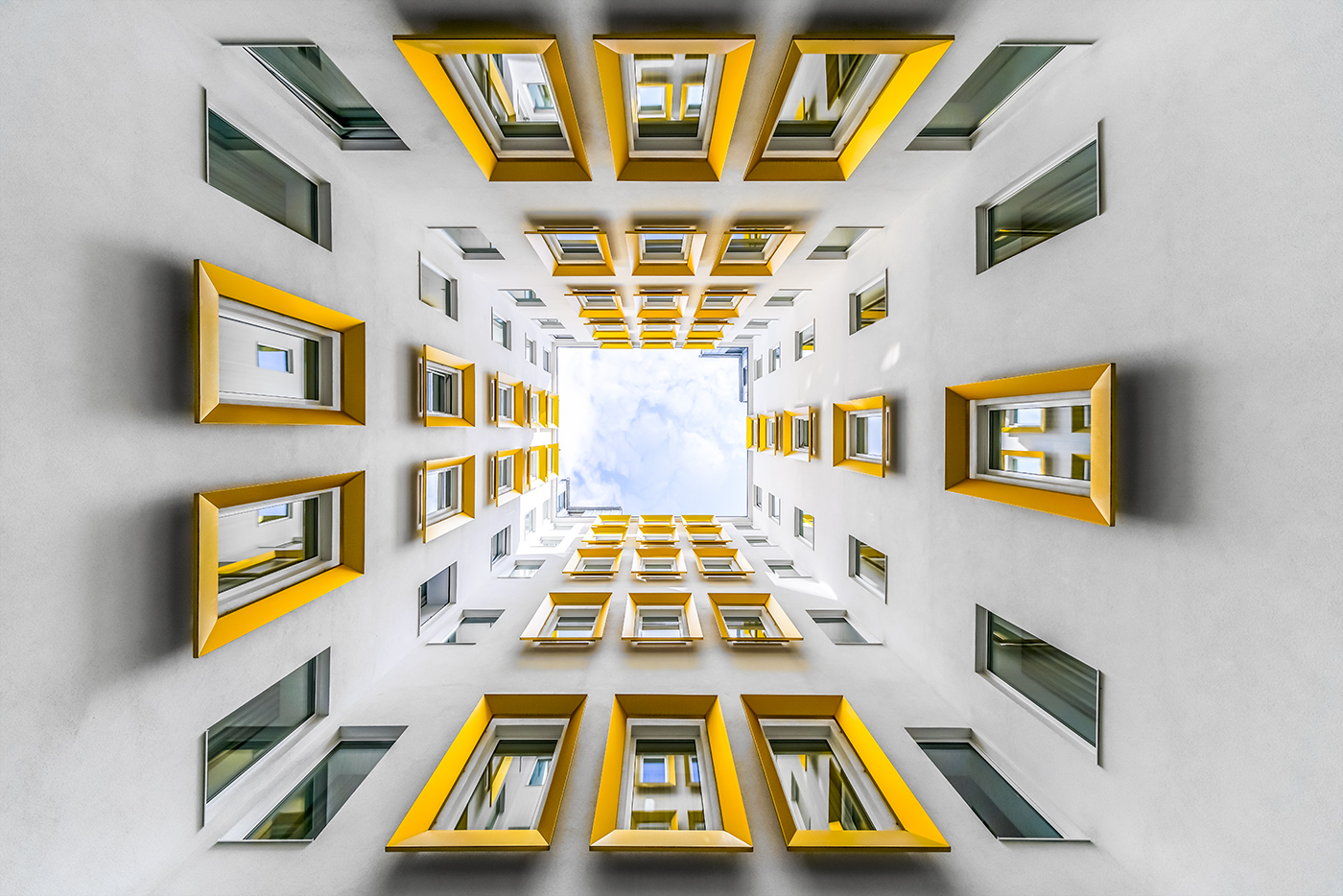 Photography Search for Geometrical Shapes and Symmetries in Vienna