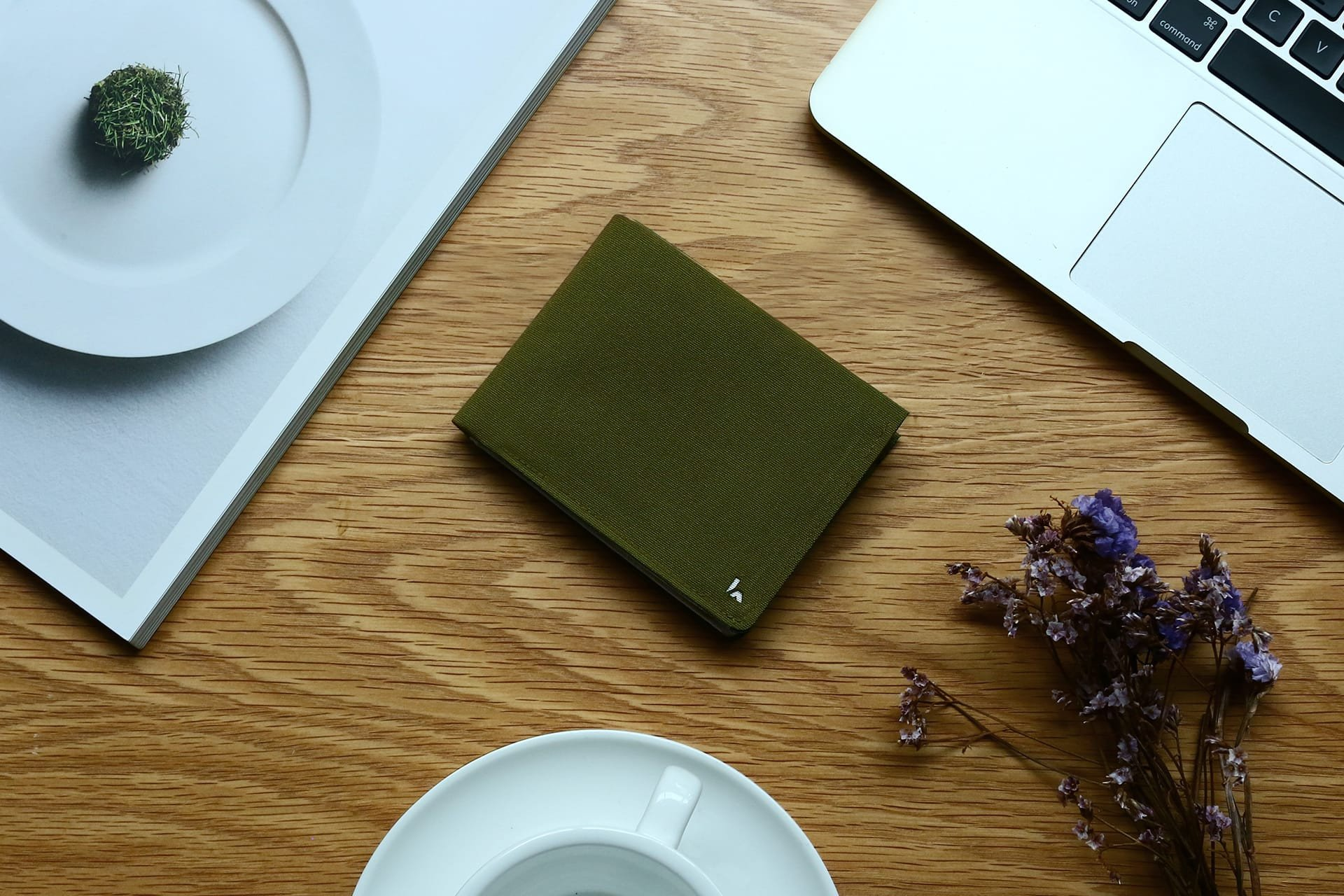 Industrial Design: Kin, the Wallet that sort your coins like Magic
