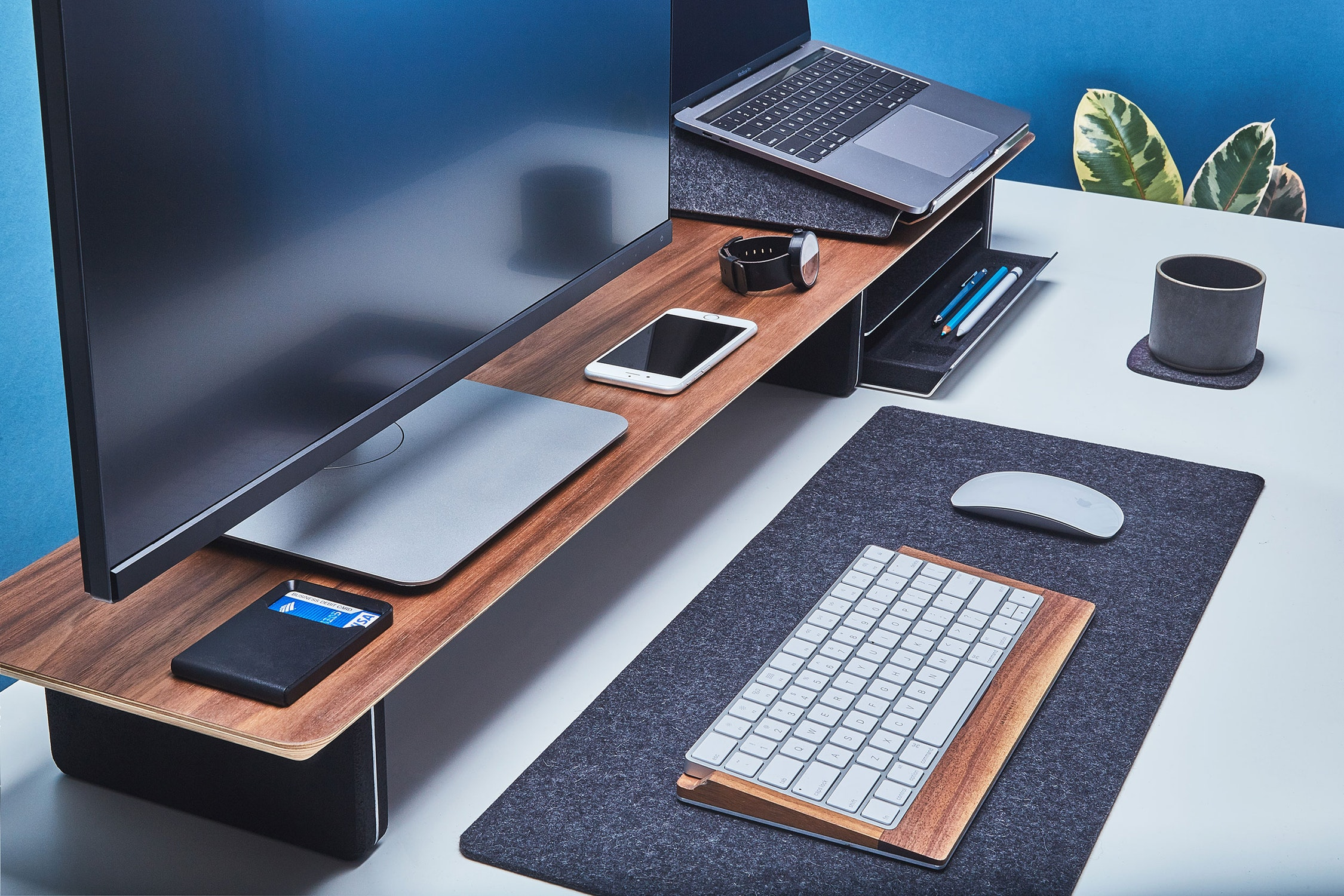 Grovemade: Introducing the Desk Shelf System for your workspace