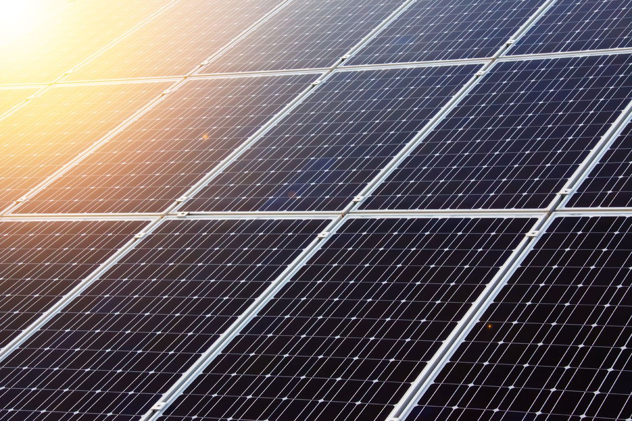 Weekly Roundup: Japanese Solar Cell, 4-Year-Old Hero and More