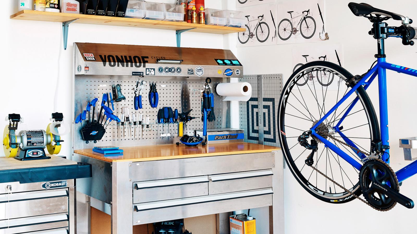 VonHof Cycles: a Branding for Bicycles Made by Hand