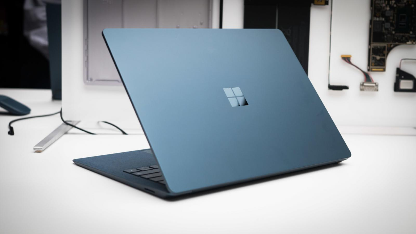 Weekly Roundup: Surface Laptop Hands-On, YouTube New Slick Design and More