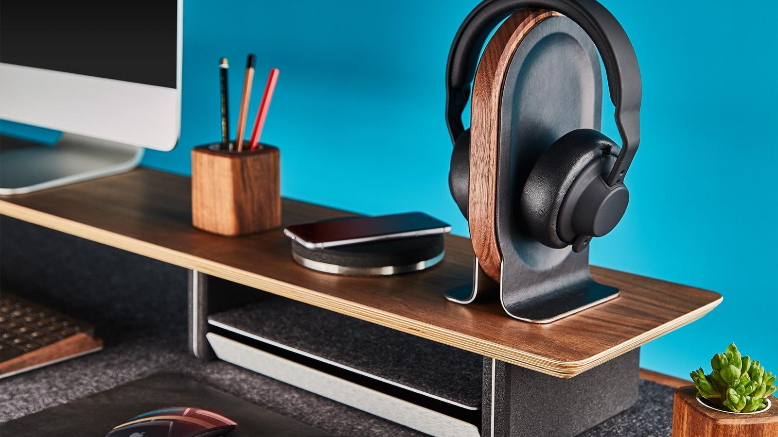Cool Tech: Wood & Leather Headphone Stand, Self-Changing Trash and more