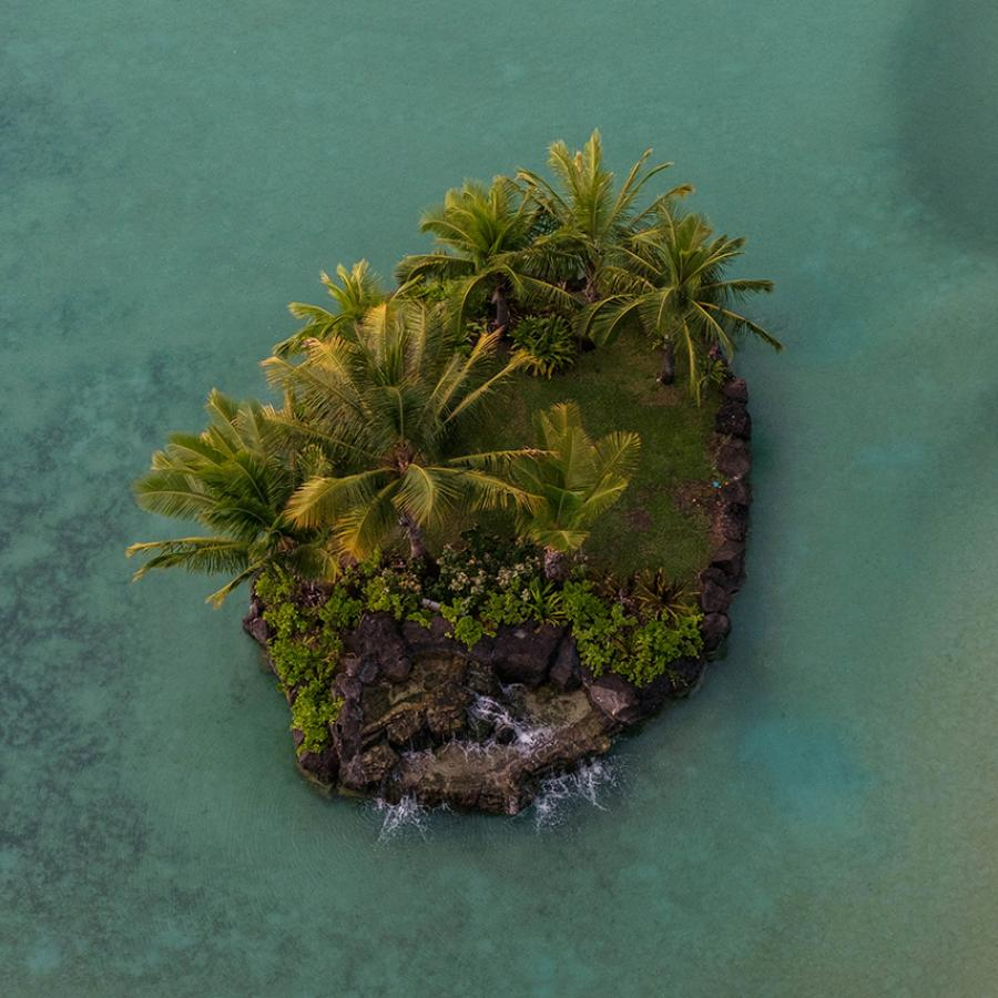 Wallpaper of the Week x Unsplash - Tiny Hawaiian Island, Honolulu