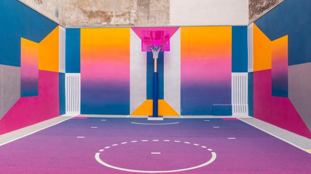 Set Design: Phenomenal Basketball Court Design in Paris