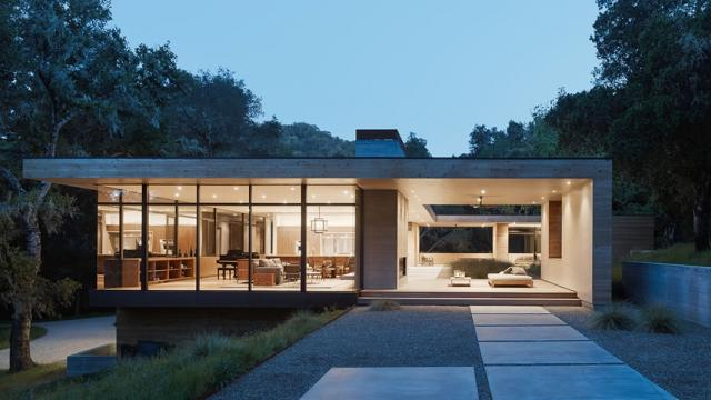 Contemporary Architecture among Old Oaks in Carmel Valley